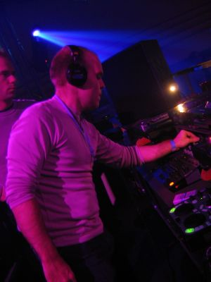 Airwave with the Hercules DJ Console at Asta in Den Haag