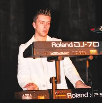 Wout @ the keyboards...