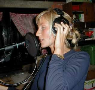 Maaike Moens singing in the studio !